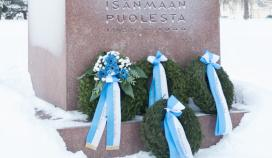 Ceremonial Wreath Laying at Kalevankangas Cemetery at 09